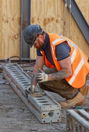 UK construction PMI weakens in September.
