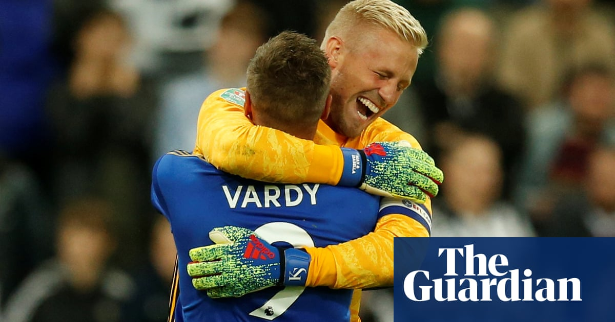 Kasper Schmeichel's penalty saves give Leicester win at Newcastle
