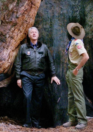 Bill Clinton signed a proclamation announcing the park's designation as a national monument to be managed by the United States Forest Service.