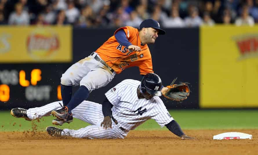 The Yankees' Didi Gregorius is a star for the Dutch national baseball team.