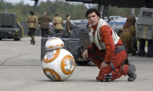 BB-8 and Oscar Isaac in Star Wars: The Force Awakens