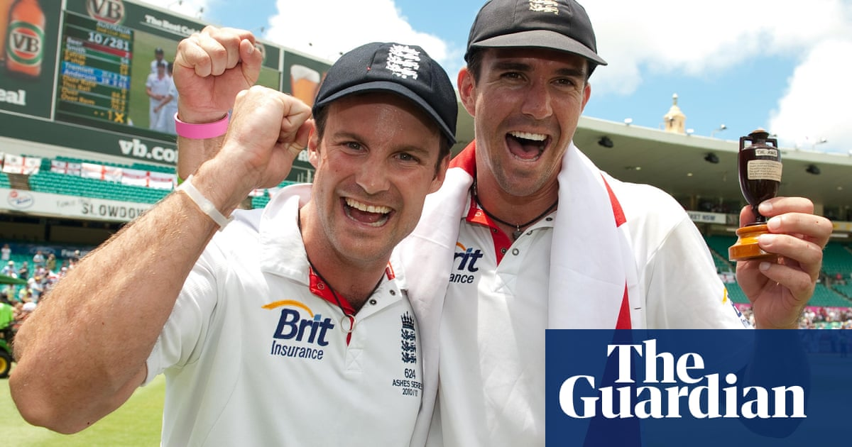 Andrew Strauss believes five-day Tests should stay unless case compels