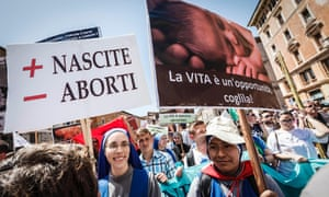 Nuns protest against abortion in Rome
