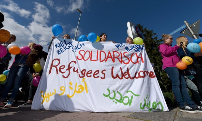 1c7238ad3b7 Refugees welcome  How UK and Germany compare on migration