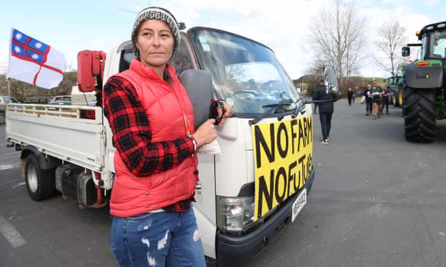 Protester Linda Lewin joins farmers and tradies in a convoy through Warkworth in Auckland.