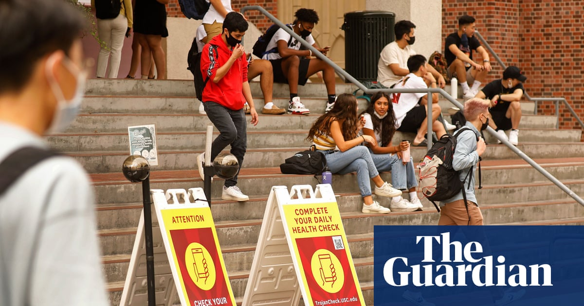 'I'm nervous': US colleges wrestle with Covid safety as fall semester begins