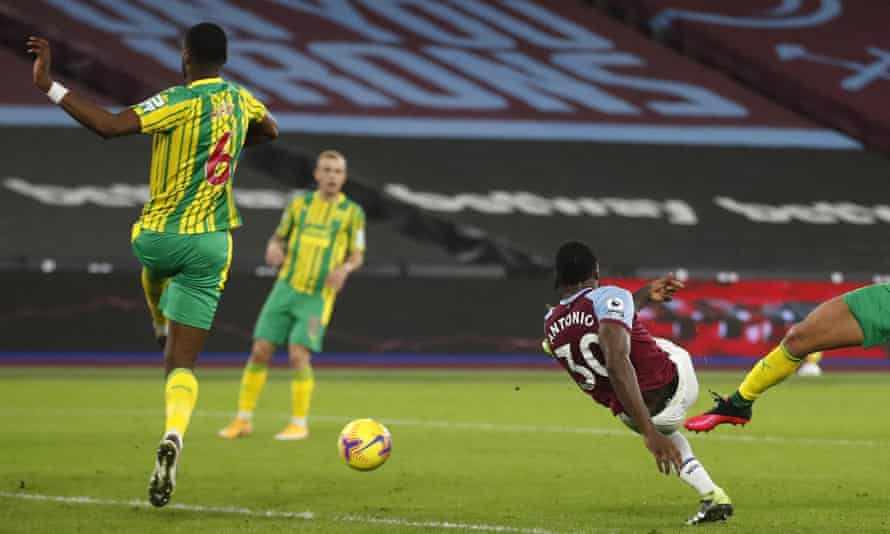 West Ham's Michail Antonio scores the winning goal against West Brom at the London Stadium.