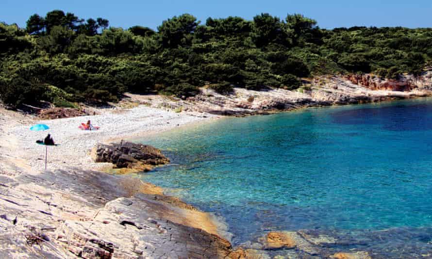 Beach at Vela Luka, Proizd.