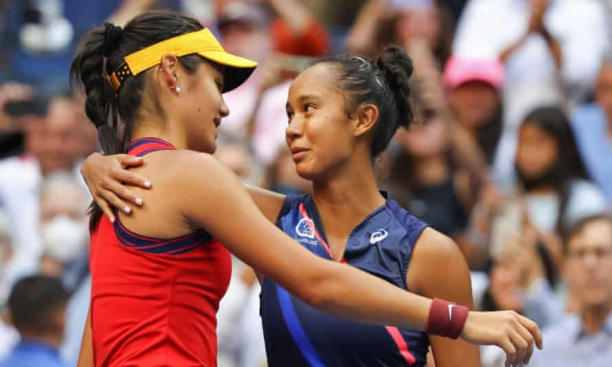 Leylah Fernandez (right) congratulates Emma Raducanu