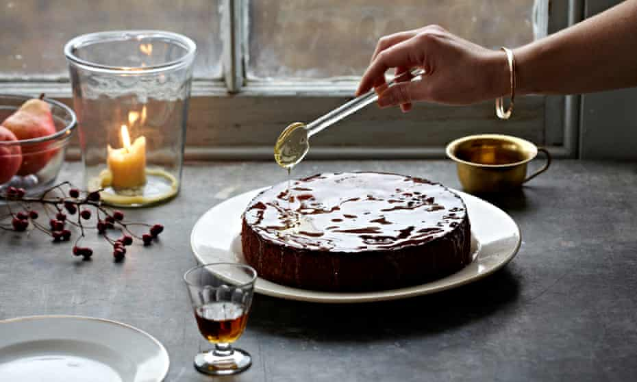 Claire Ptak's figgy mulled wine honey cake