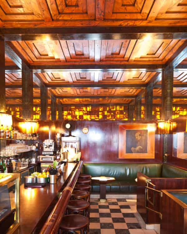 Prost: the American Bar, designed by Adolf Loos in 1908.