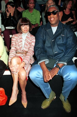Sharing the front row with fellow Vogue editor André Leon Talley at Donna Karan's SS01 show in September 2000.