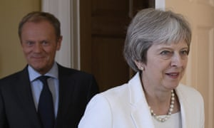 Theresa May is increasingly leaning towards a Norway-style EU deal, Whitehall sources believe.