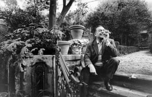 Guttuso in a garden