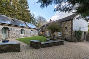 Fantasy : stone : Narberth, Pembrokeshire