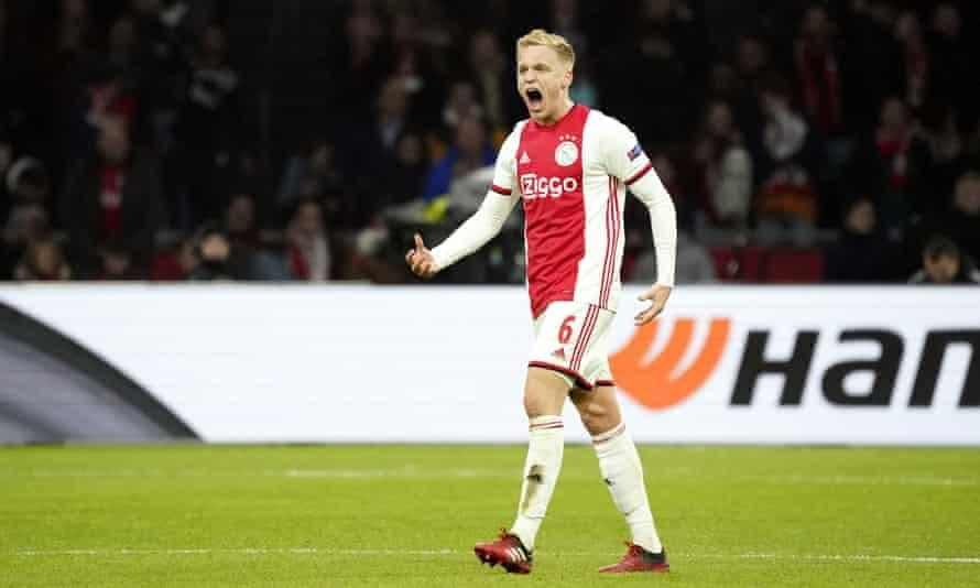 Donny van de Beek did not play in Ajax's win against Eintracht Frankfurt on Saturday.