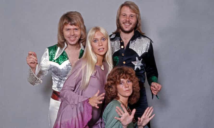 Studioaufnahme der schwedischen Popgruppe ABBA, Deutschland 1970er Jahre. Studio shot of Swedish pop group ABBA, Germany 1970s.EP0XT5 Studioaufnahme der schwedischen Popgruppe ABBA, Deutschland 1970er Jahre. Studio shot of Swedish pop group ABBA, Germany 1970s.