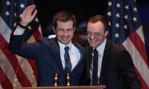 Pete Buttigieg with his husband Chasten at a campaign event