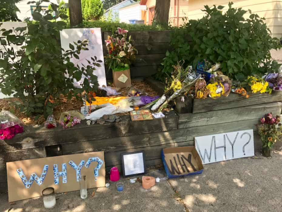 Makeshift memorial close to the home of Justine Damond in Minneapolis.