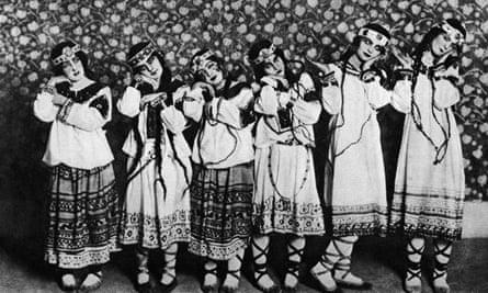 Ballet Russes in Diaghilev's production of Rite of Spring at the Théâtre des Champs-Élysées, Paris, 1913.