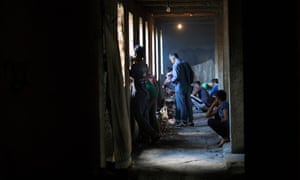 Migrants occupy a building in Bihać, Bosnia