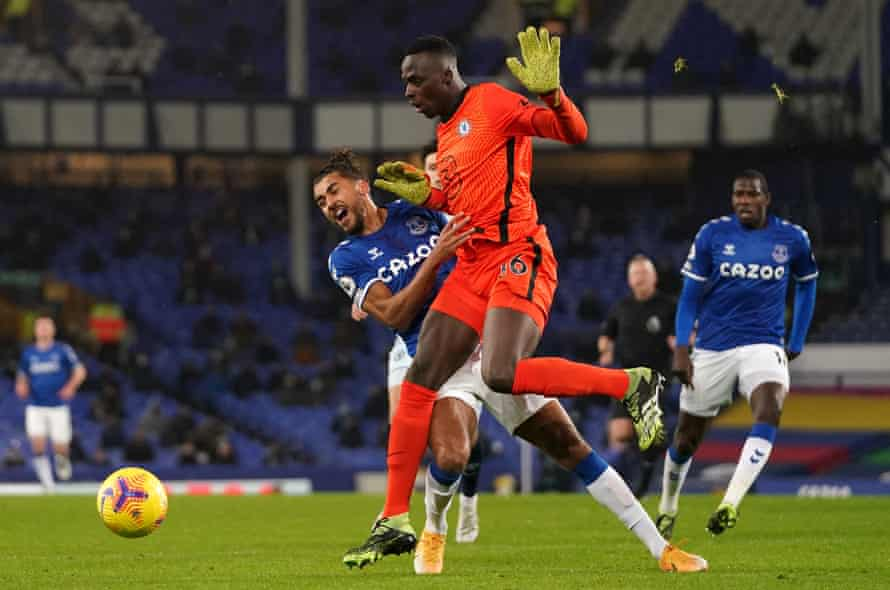 Édouard Mendy flattens Dominic Calvert-Lewin in the game's decisive moment