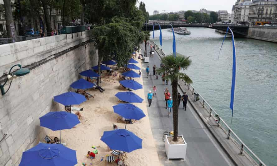 Paris Plage (Paris Beach) on the bank of the Seine