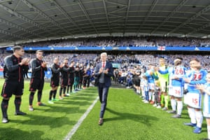 Arsene Wenger walks out as his 1,235-game reign as Arsenal manager came to an end with a 1-0 victory over Huddersfield at the John Smith's Stadium.