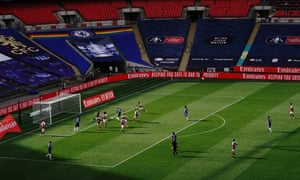 Christian Pulisic of Chelsea scores.