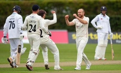 Bob Willis Trophy: Derbyshire's final hopes hit by collapse against Lancashire