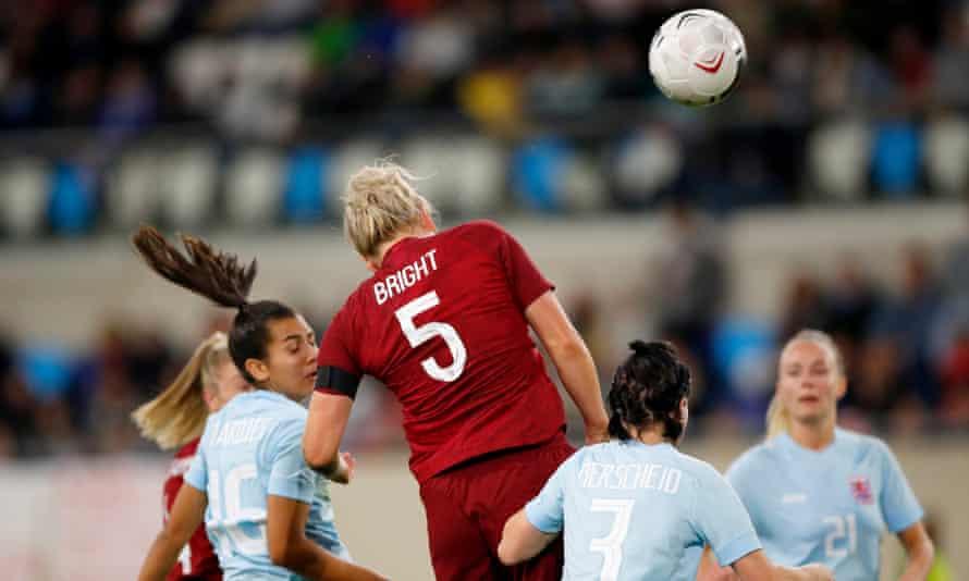 وارتفع فريق ميلي برايد الإنجليزي ليسجل الهدف السابع.
