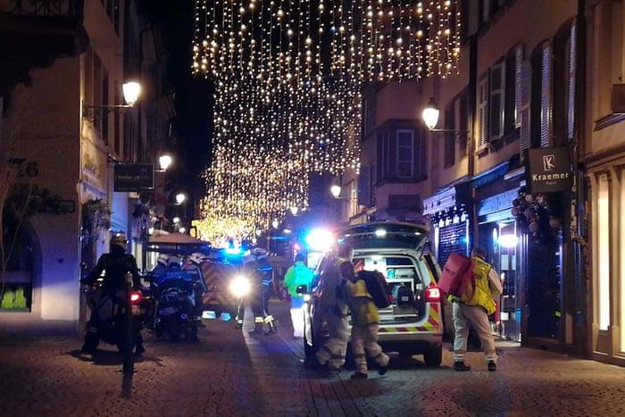 Strasbourg France Christmas Market Hours.Strasbourg Christmas Market Shooting Suspect On The Run