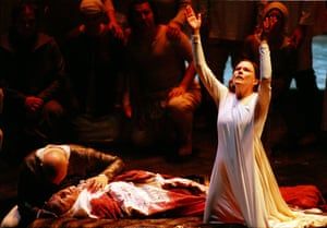 Kathleen Broderick as Lady Macbeth with Scottish Opera in 1999