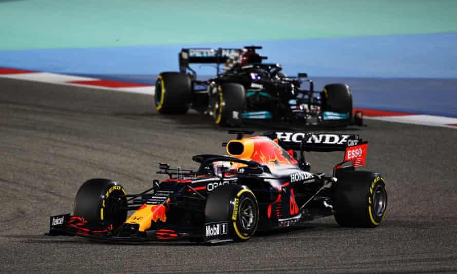 Max Verstappen leads Lewis Hamilton at the Bahrain Grand Prix.
