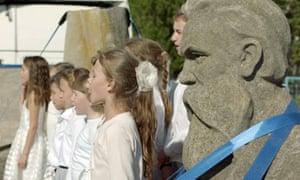 Songs for Friedrich … Engels is joined by a choir in Kharkiv, Ukraine.