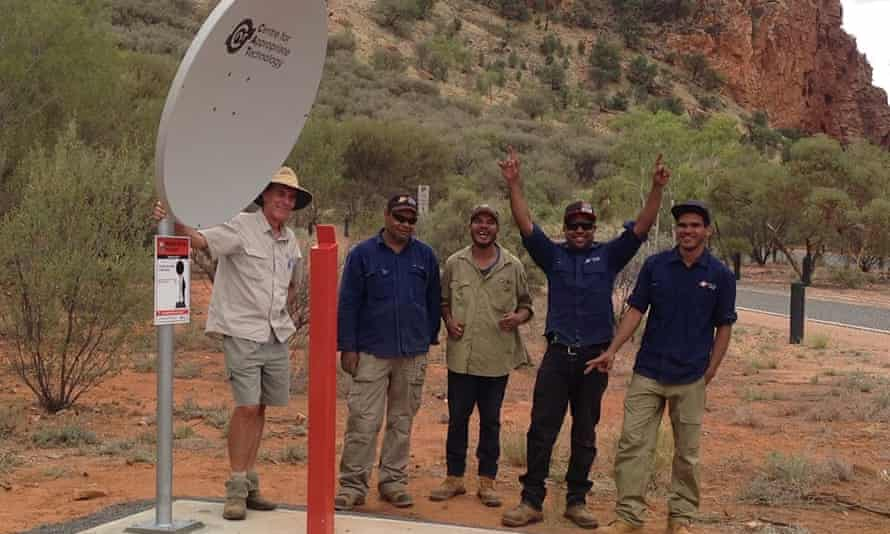 The Centre for Appropriate Technology (CAT), an Indigenous business, installs mobile phone hotspots along the Stuart Highway