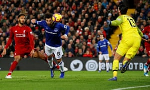 A flying André Gomes comes close to giving Everton the lead at Anfield on Sunday