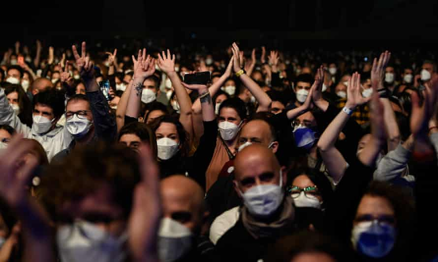 Spectators a nderwent Covid-19 rapid antigen tests and were required to wear face masks