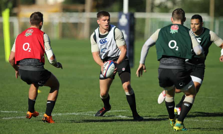 Owen Farrell runs with the ball during England training in Portugal on Thursday.