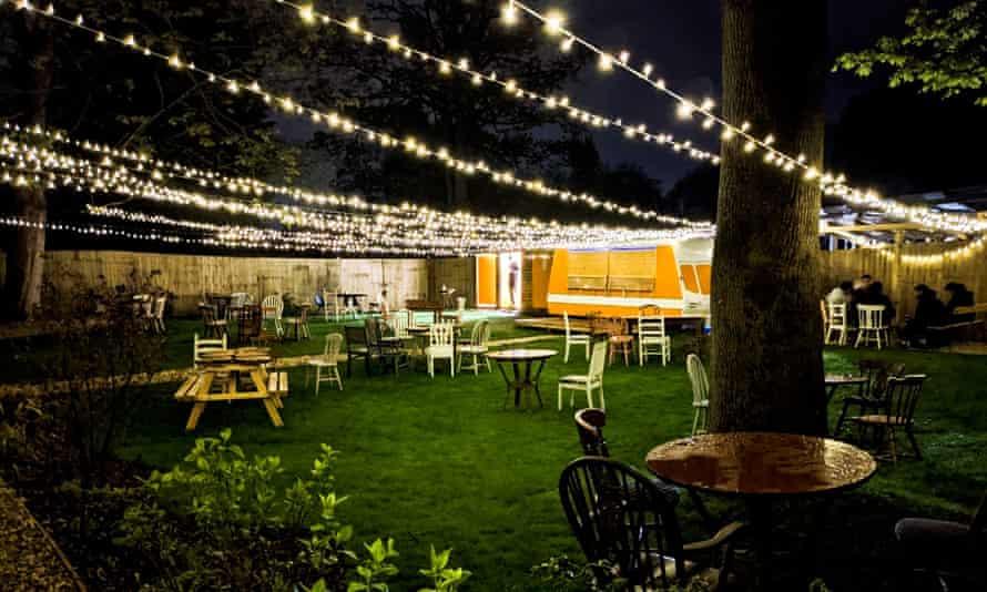 evening beer garden (1)