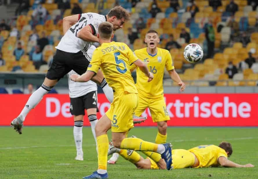 Había 20.000 aficionados en Kiev para ver a Leon Goretska y Alemania.