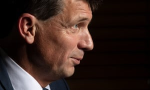 Emissions reduction minister Angus Taylor has failed to meet the deadline to publish Australia's emissions data. The Greens say the minister could be in contempt of parliament.