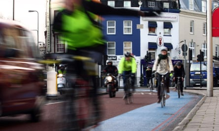 Cycling commuters in London