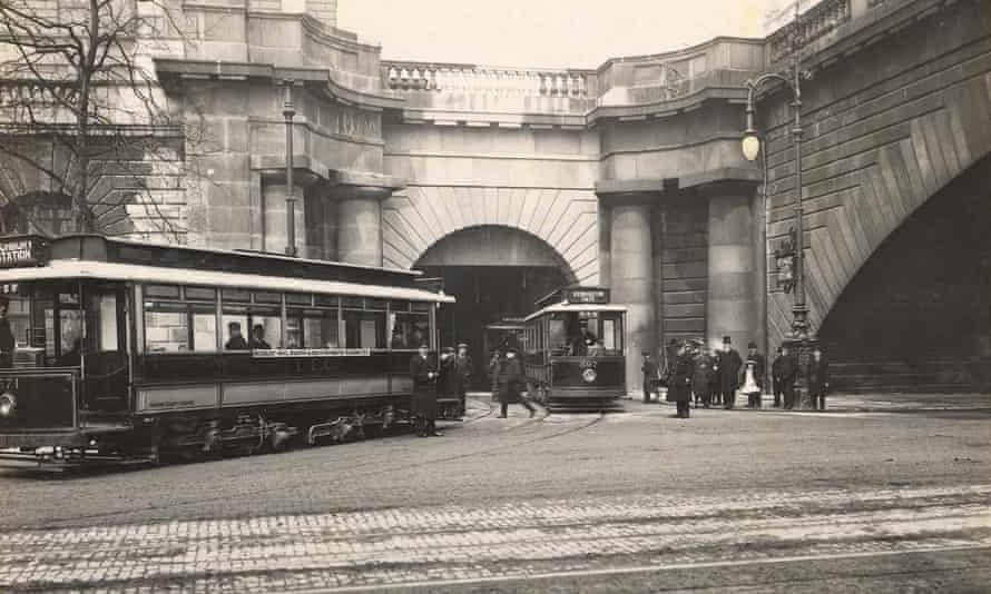 The Embankment entrance to the Kingsway tram subway in 1908