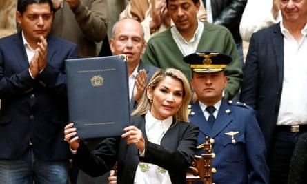 Jeanine Áñez being sworn in as interim president