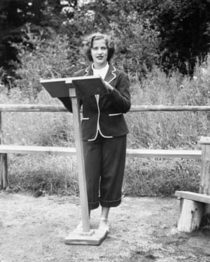 Ruth Bader, age 15 in 1948, giving a sermon as the camp rabbi at Che-Na-Wah in Minerva, New York.