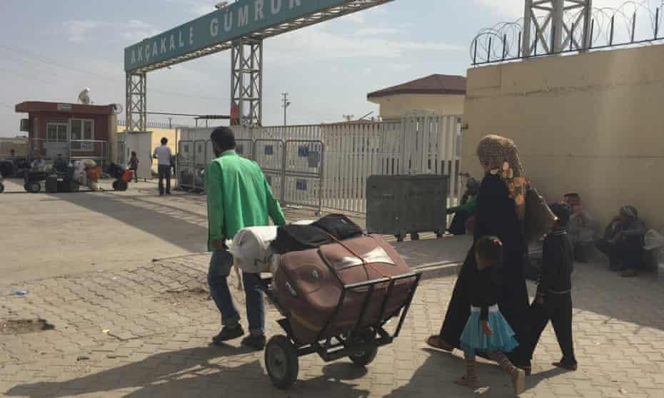 The Akçakale border crossing between Turkey and Syria