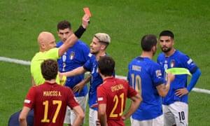 Leonardo Bonucci is sent off.