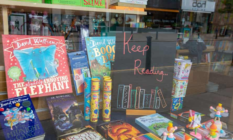 A bookshop window during lockdown has a sign that says: 'Keep reading'