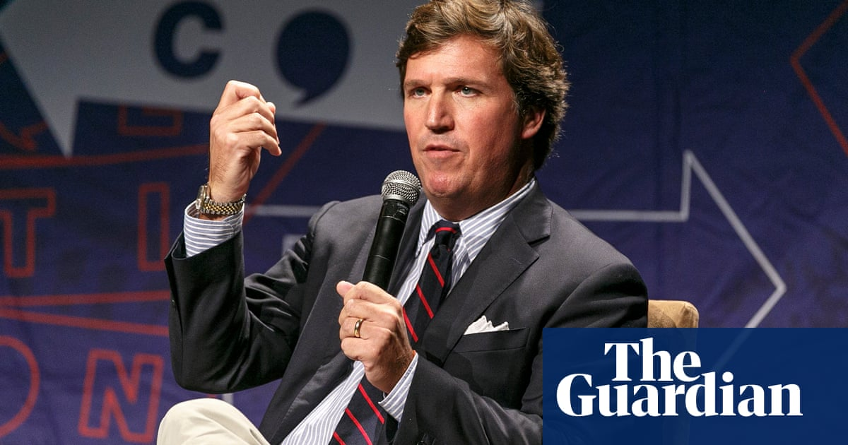 Tucker Carlson: US journalists are 'cowards' and 'cringing animals'